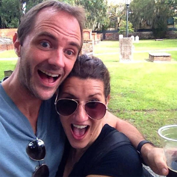 Cemetery Selfies: Probably The Most Stupid Trend Ever