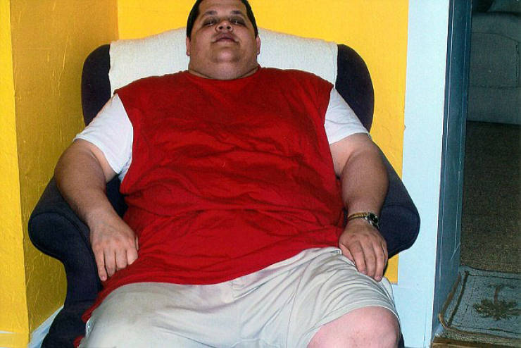 Man Loses 90 Kilos After Being Forced To Buy Two Seats On An Airplane