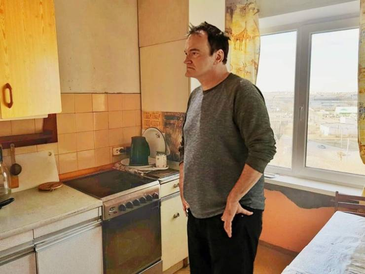 Russian Guy Is Selling His Apartment With The Help Of Quentin Tarantino