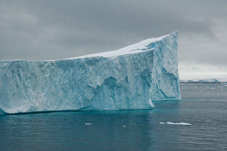 Antarctica Is Now 315-Billion-Ton Lighter After This Iceberg Broke Off And Drifted Into The Ocean