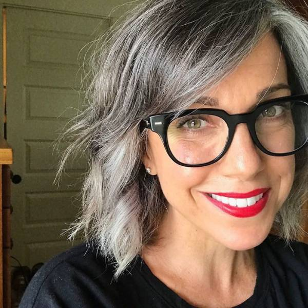 These Women Decided To Love Their Gray Hair From Now On