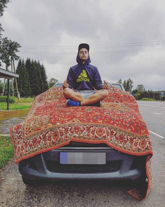 Russians And Carpets, Name A More Iconic Duo