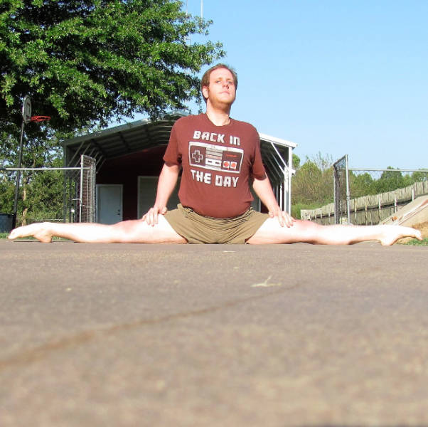 This Is Chris And He Loves Splits