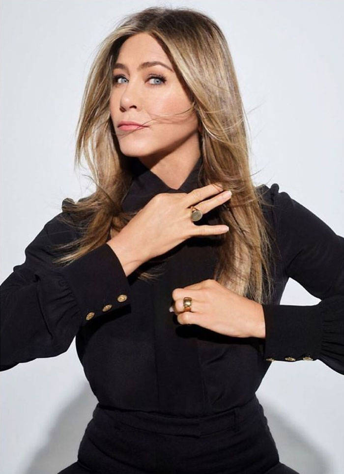 Jennifer Aniston Shows How She Manages To Still Look Good