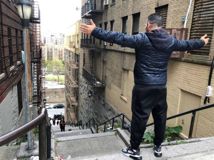 """""""The Joker"""" Stairs In New York Instantly Become Insanely Popular"""