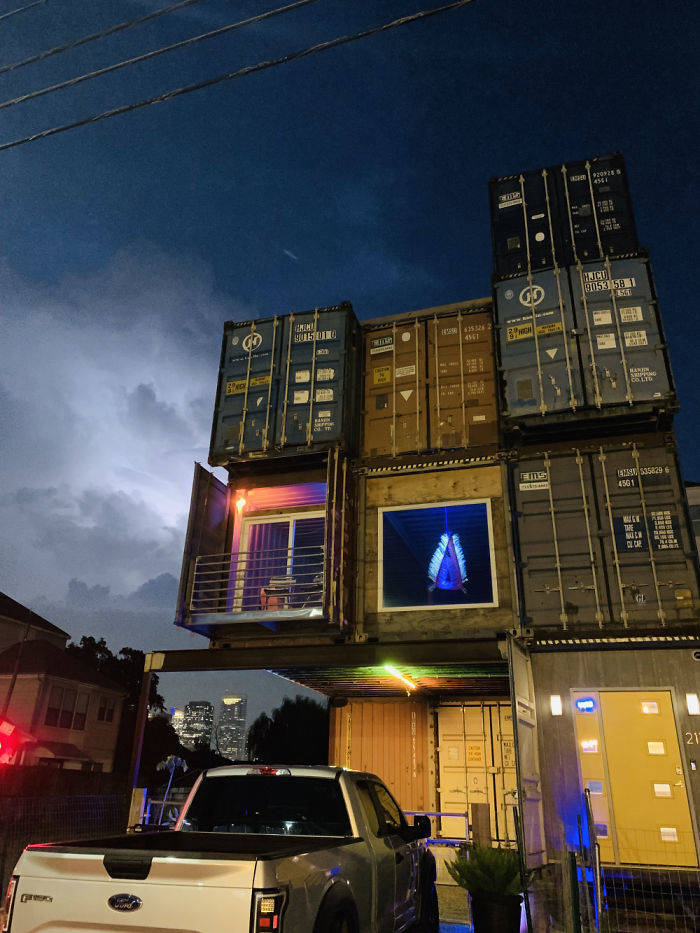 To Build A House Of His Dream, This Man Only Needed 11 Shipping Containers
