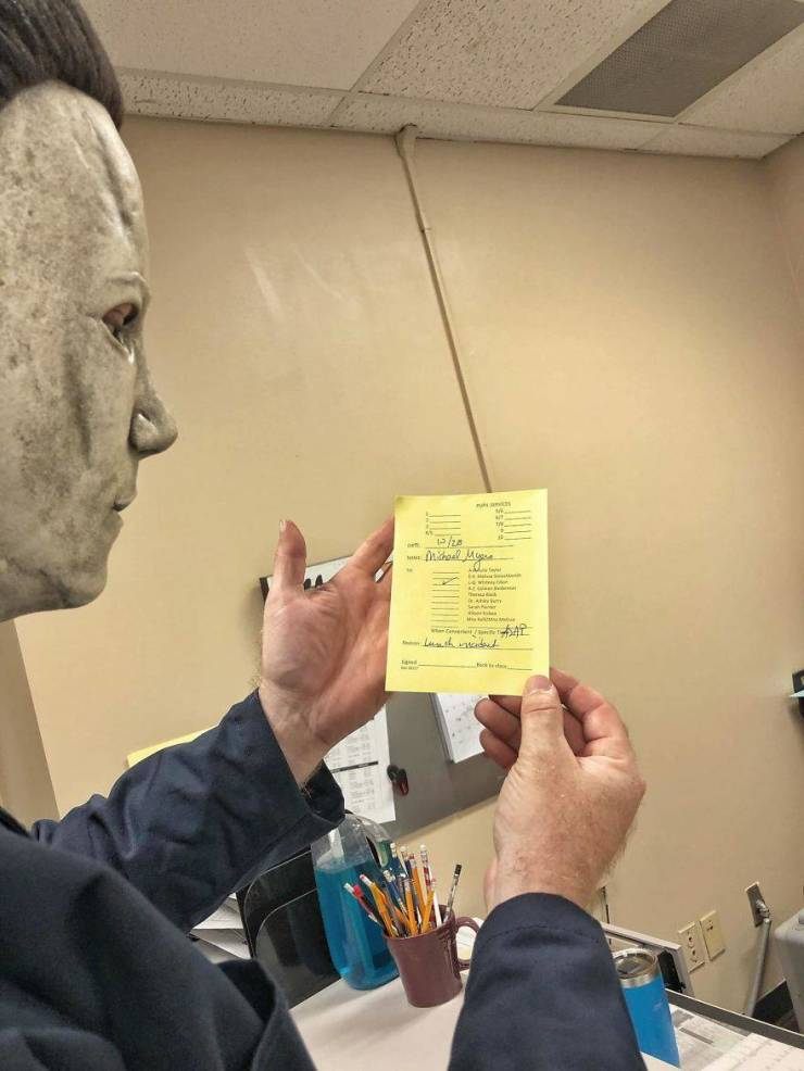 "Teacher Becomes Michael Myers From ""Halloween"""