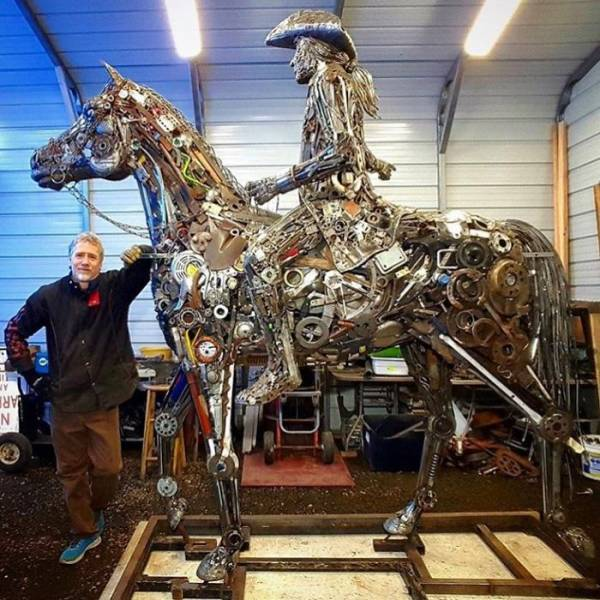 American Artist Uses Recycled Materials To Create Amazing Sculptures