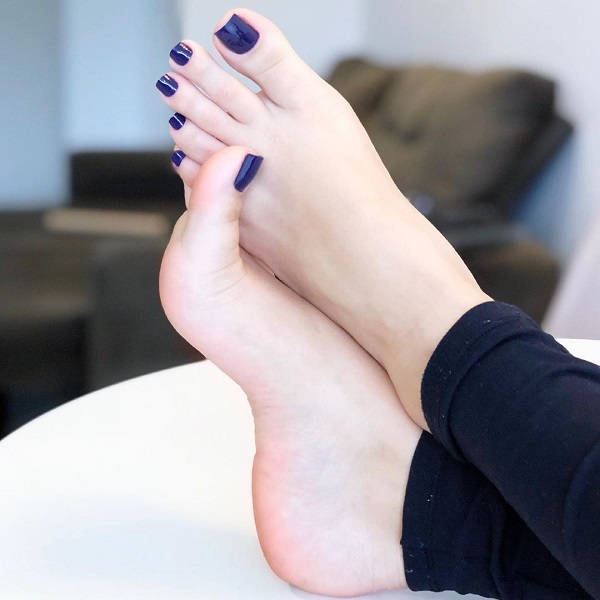 Shoes Off, Go Barefoot! Here's Why