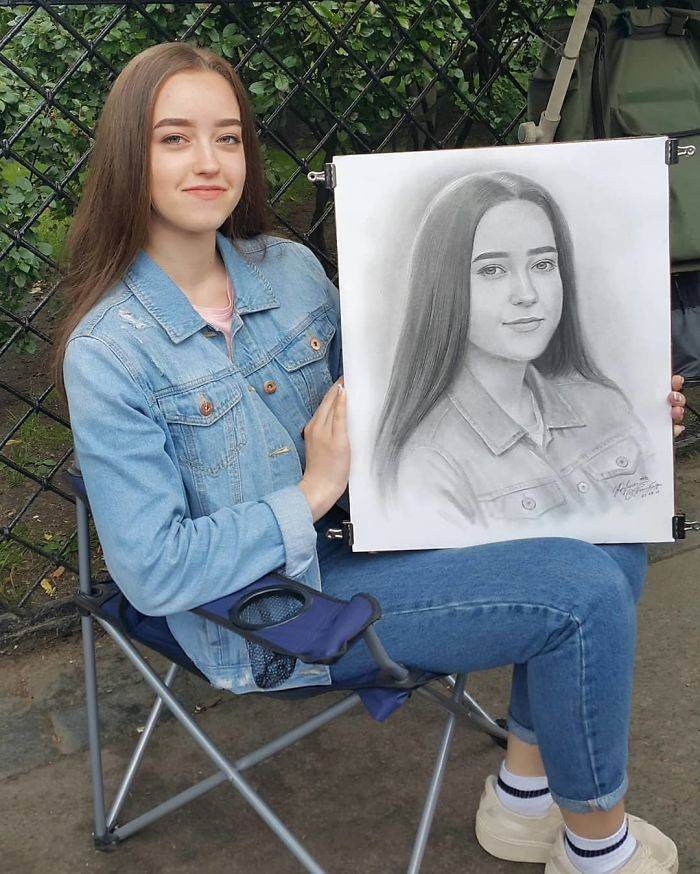 "This Russian Artist Can Draw A ""Photo"" Of You In One Hour"