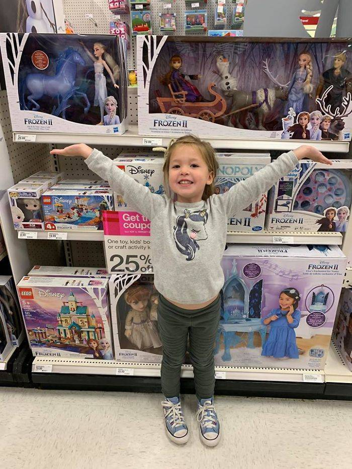 Mom Shares A Christmas Trick – How To Stop Kids From Wanting Everything There Is In Shops