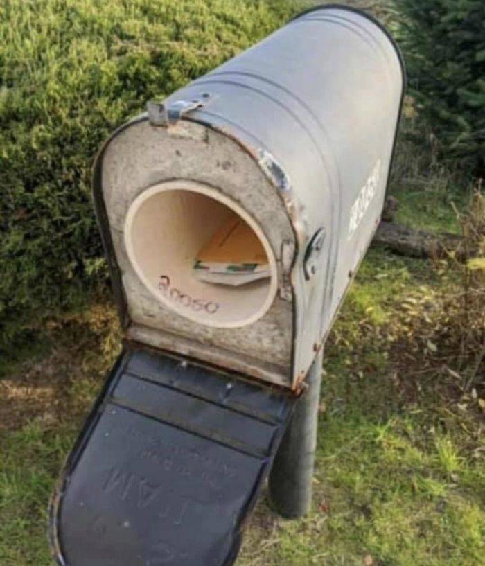 Mailbox Was Repeatedly Destroyed By A Snow Plow, But Now It Is Prepared!