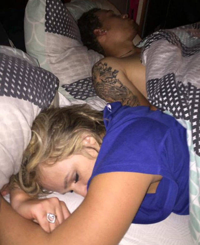 Guy Finds His Girlfriend Sleeping With Another Man, Takes Selfies With Them