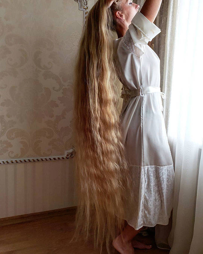 This Woman's Hair Has Been Growing For 19 Years!
