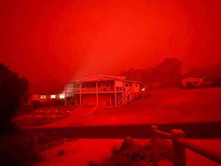 This Is Not Hell, These Are Terrifying Photos Of Brutal Australian Bushfires
