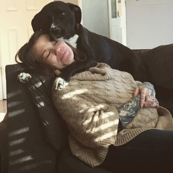 Pets Love Pregnant Two-Legs!