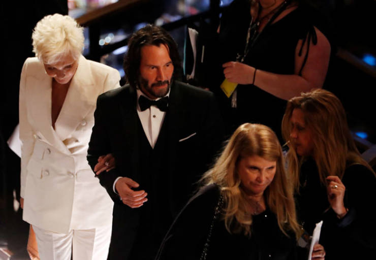 Keanu Reeves Comes To The Oscars With His Mom As His Date