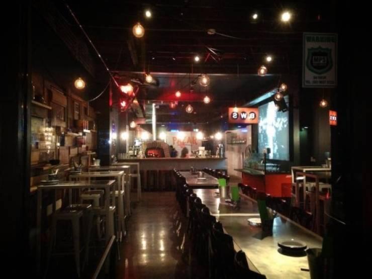 Restaurant Owner Responds To A Crazy Customer