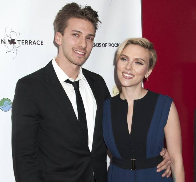 Celebs Who Have Very Attractive Siblings