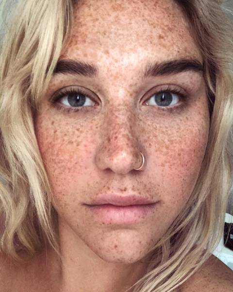 Celebrities Don't Always Need Their Makeup On