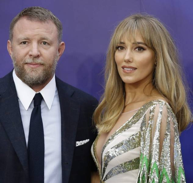 Celebrity Men With Incredibly Beautiful Wives