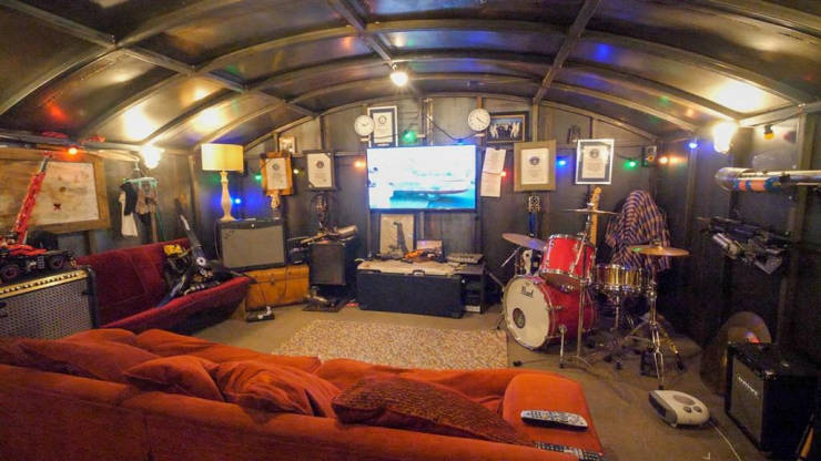 Englishman Builds A Bunker For Five Years, Is Definitely Prepared…