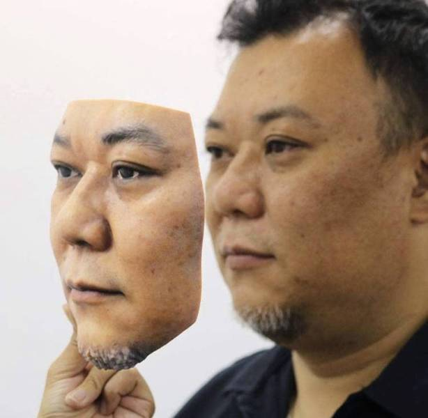 3D Printing Enthusiast Prints… His Own Face
