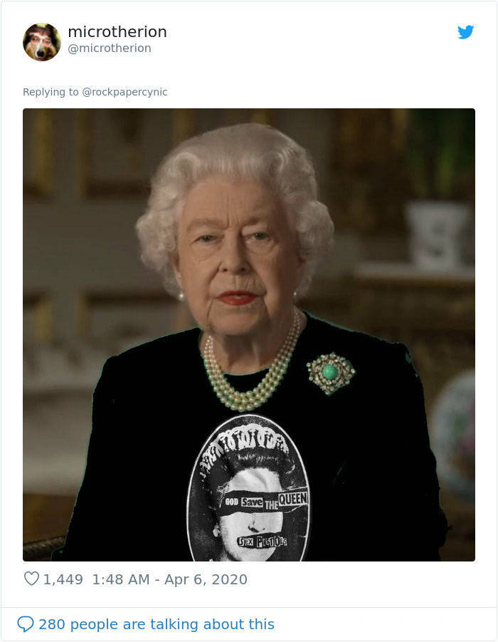 Queen Elizabeth Gives A Speech In A Green Outfit, And You Know What That Means…