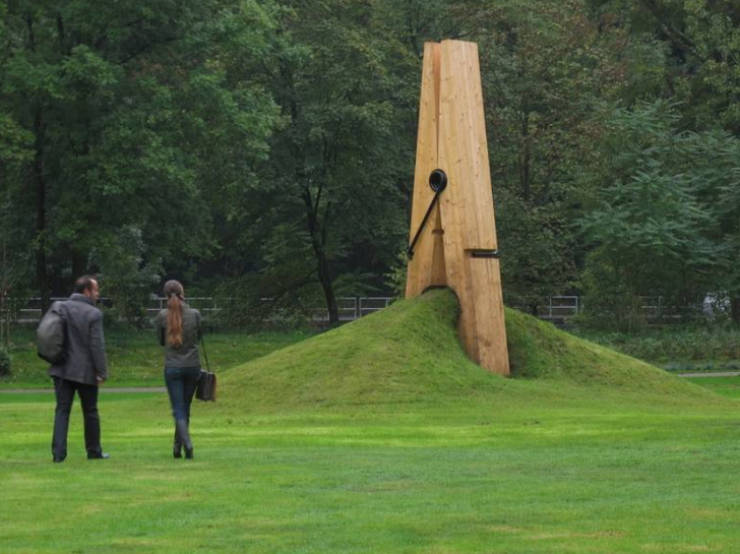 Sculptures That Really Catch Your Attention