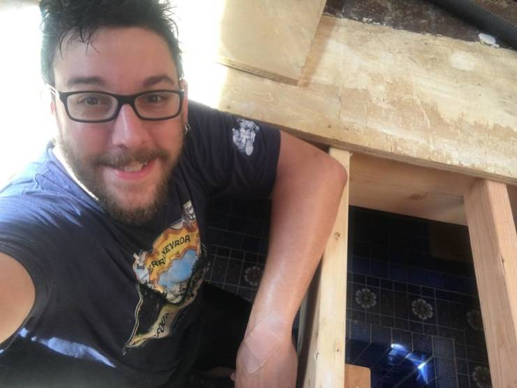 Couple Just Casually Discovers A Bath Under Their House…