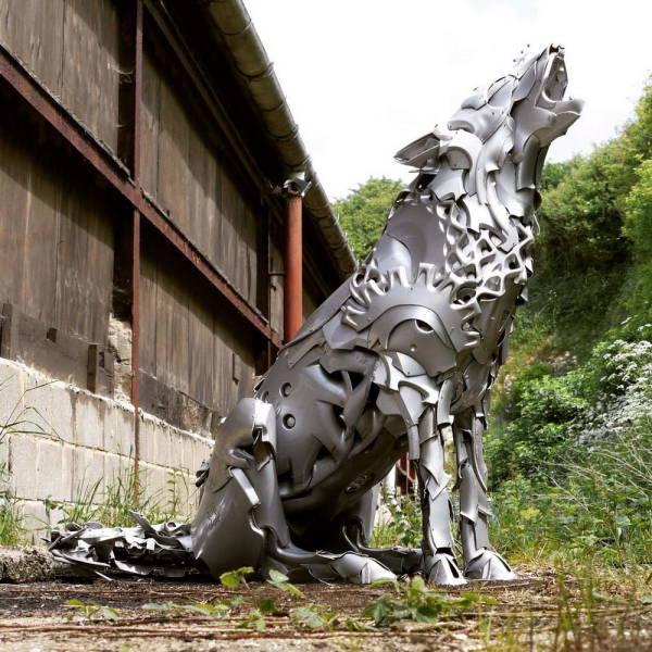 Guy Turns Roadside Trash Into Incredible Sculptures