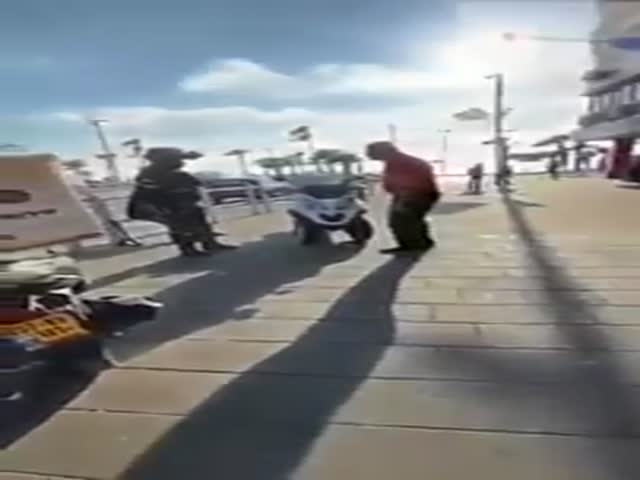 Israeli Police Deals With A Rowdy Russian