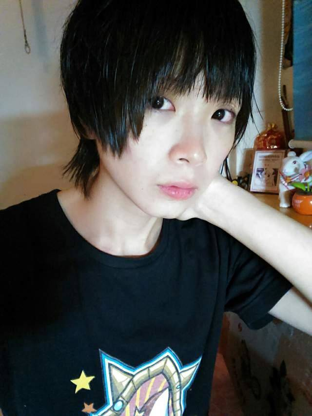 This Chinese Cosplayer Girl Is Actually Not A Girl At All…