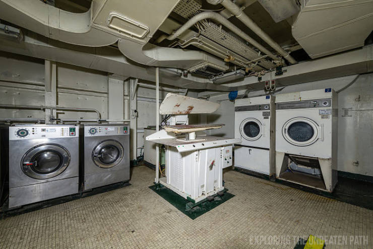Guy Shows The Insides Of Decommissioned Warships