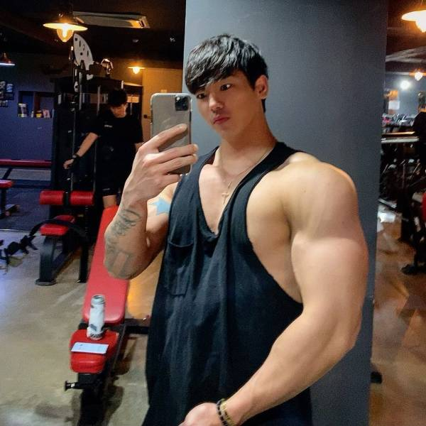 Why Bodybuilders Shouldn't Skip Neck Day