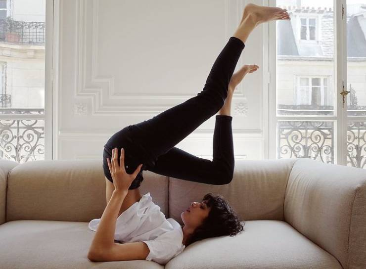 Can Zara Models Just Take Normal Positions For Their Photoshoots?!