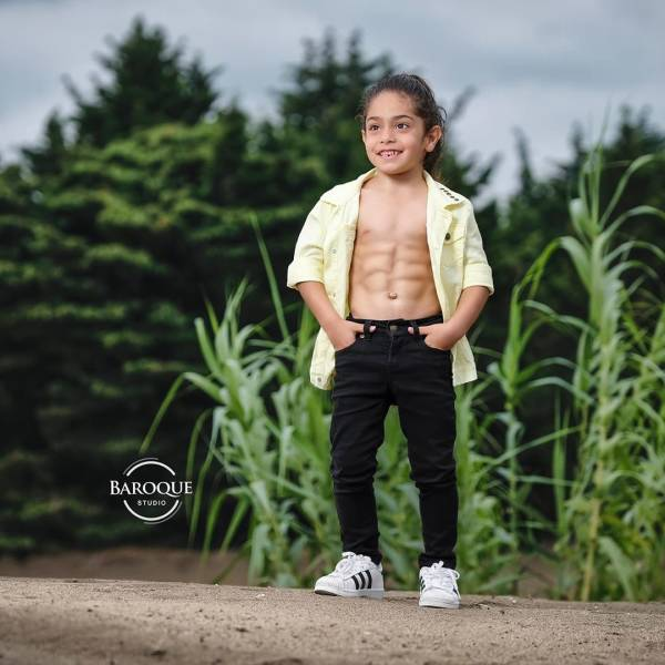 6 Year Old Iranian Boy Becomes An Internet Star Because… Of How Ripped He Is