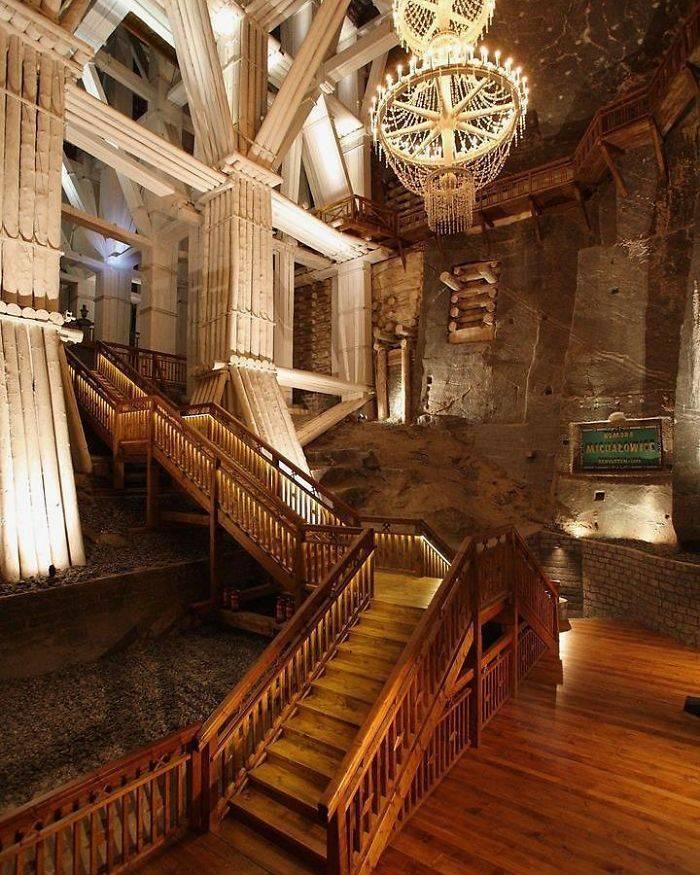 Ez a lengyel sóbánya úgy néz ki, mint egy palota!