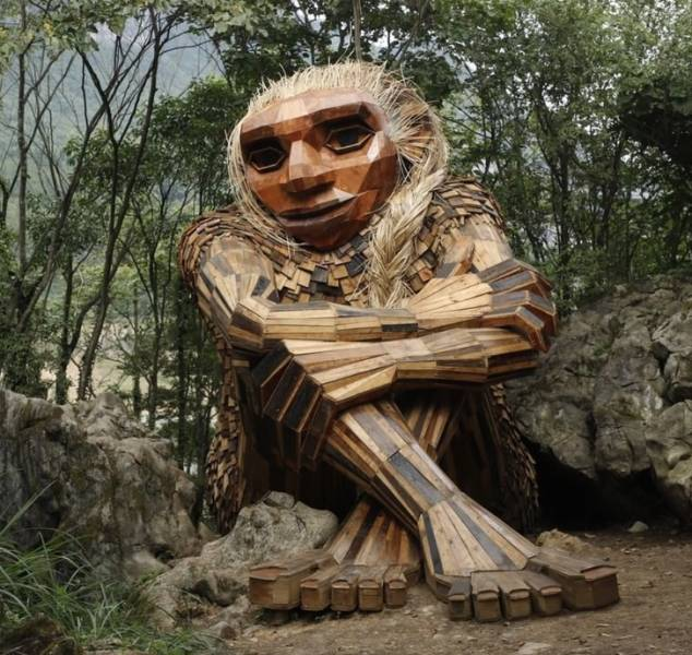 Artist Creates Huge Mountain Trolls Whom You Can Meet Out In The Wild