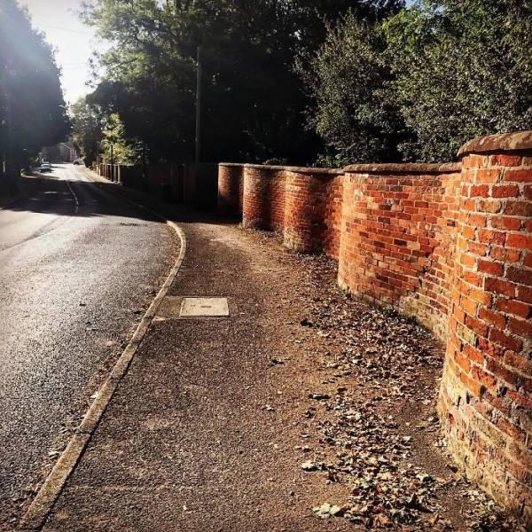 United Kingdom Is Full Of These Wavy Brick Walls!
