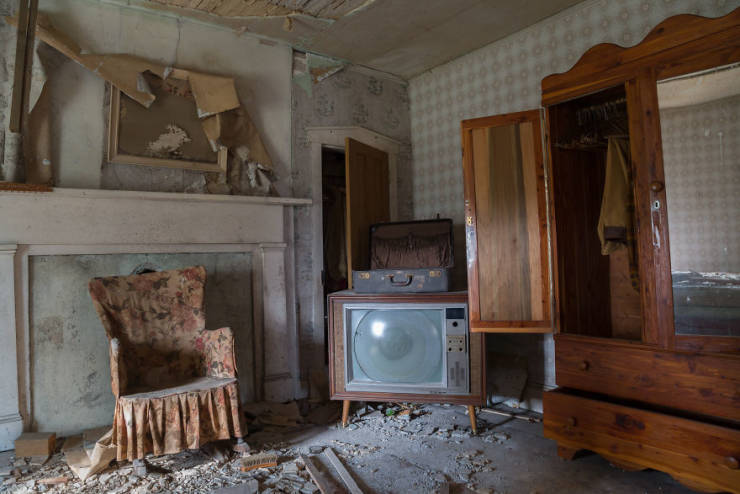 This Abandoned Confederate Colonel's Home Is Still Untouched After All These Years!