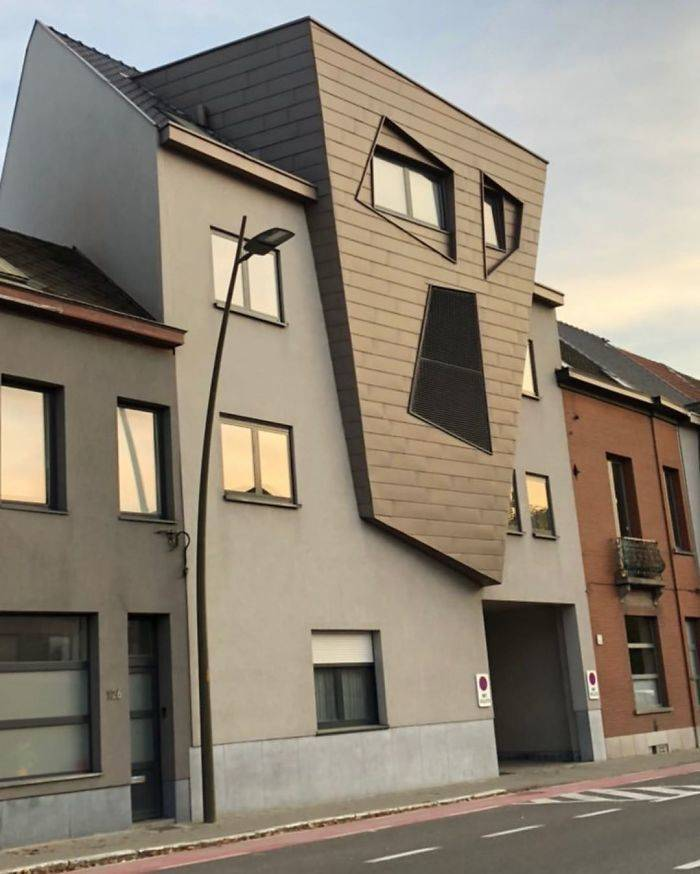 "Guy Shows Belgium's ""Ugliest"" Houses, And Why Is There So Many Of Them?!"