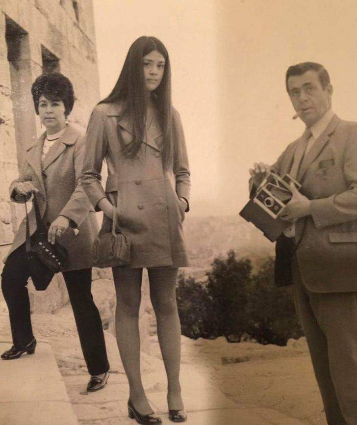 Vintage Photos Of People's Relatives Who Look Like They're From Magazine Covers