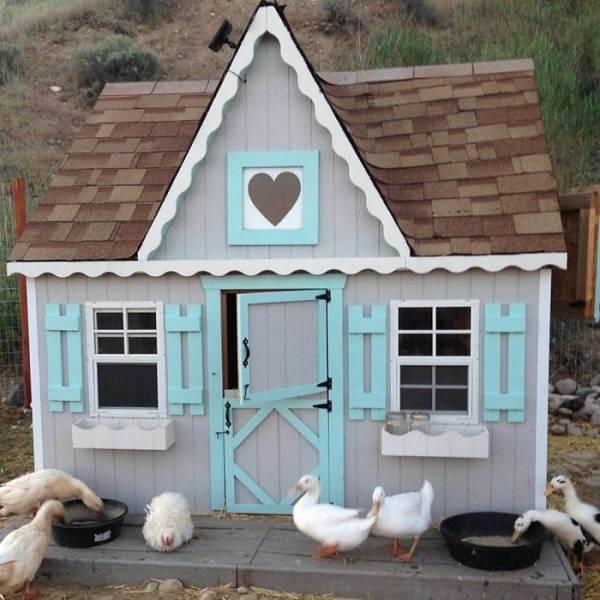 World's Most Creative… Chicken Coops