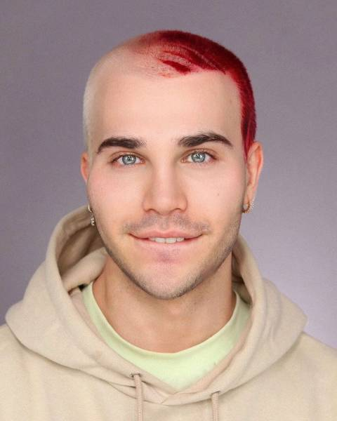 This Makeup Artist Can Transform Into Anyone He Wants!
