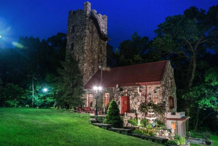 Wanna Buy This 185-Square-Meter $529,000 Helmer Castle?