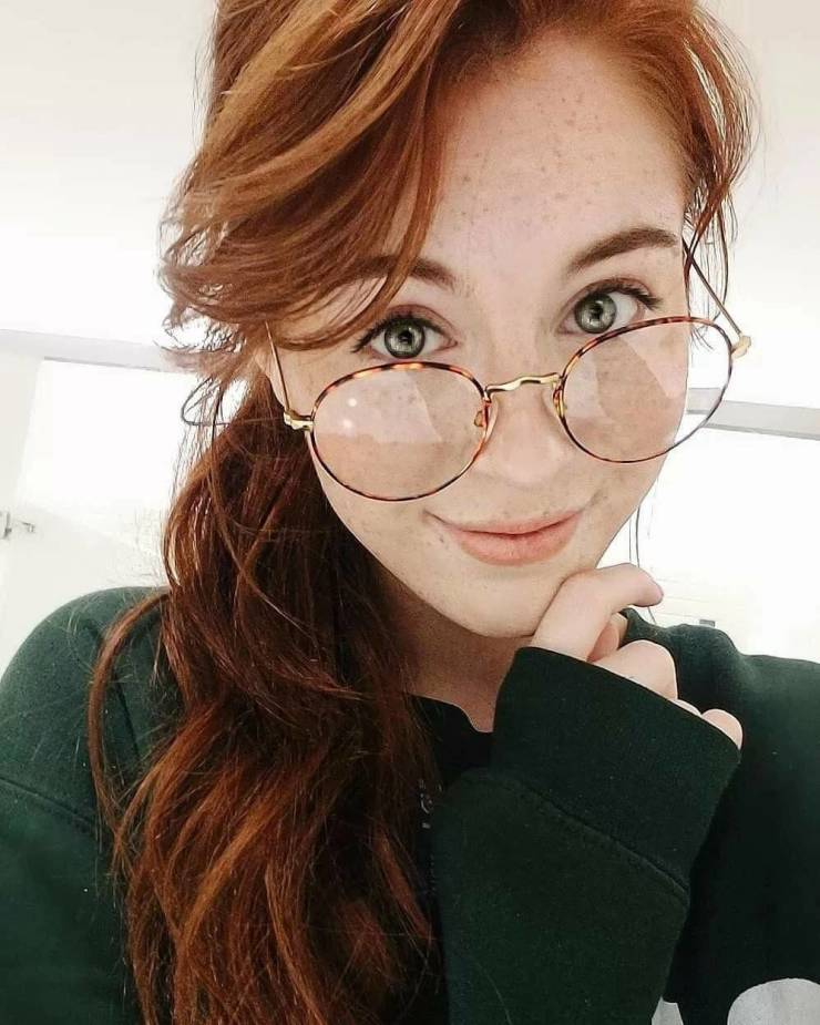 https://img.izismile.com/img/img13/20200903/640/girls_with_freckles_640_high_33.jpg