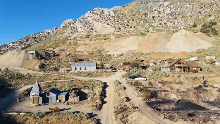 Guy Casually Buys A Ghost Town For $1.4 M And Self-Isolates There For Six Months, Rebuilding The Town In The Process