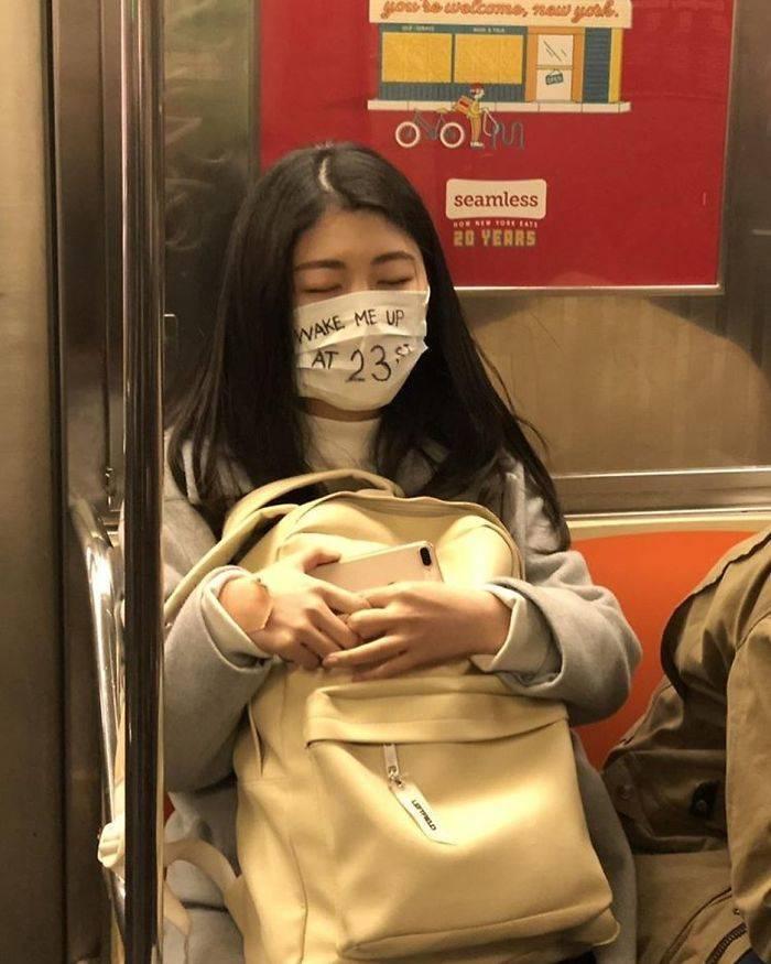 Subway Corona Masks Are Ridiculous!