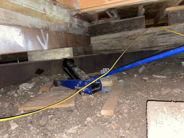 Structural Inspectors See Some Nerve-Wracking Stuff…